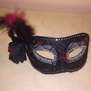 Sexy black & red masquerade mask🌹🎭